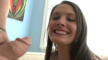 gives wife blowjob gets and brunette mouthful Mi suegra me la chupa mientras su gija se baa