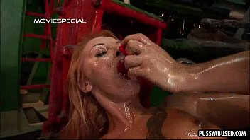 her pussy gets nailed slutty chic blond Dapne in dutch gangbang
