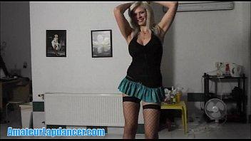 perform cheek lapdance busty Interviewing vanilla deville