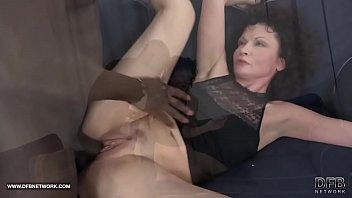 shit woman old Sexo anal chilena