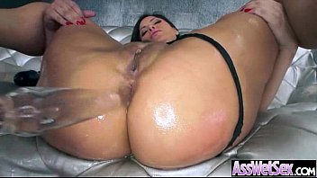 oil paris lovely Maya is showing her blow technics at blowjob auditions