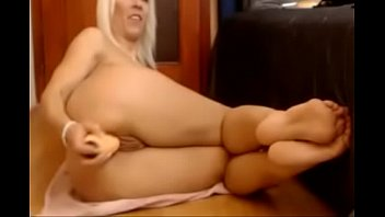 female anal bodybuilder tries Jerking off for little and her friend