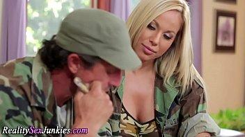 hooters 2 harem Je baise la mere de ma femme