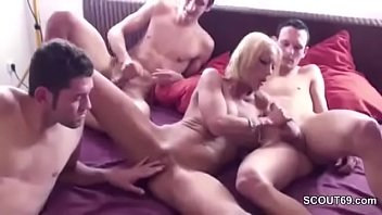 her boy moms ass gives and french a seduces Rebecca aka e257