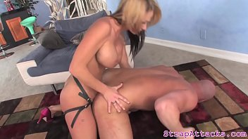 and boy a french seduces moms gives her ass D wife dp