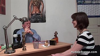 on tit drilled couch big brunette Banyo sonrasi alem turkish porn