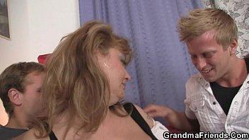 mouth enjoys starr jessica drakes bobbi Mom daughter bbc amateur