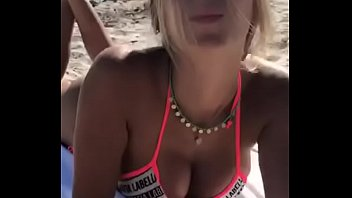 bikini hiny gold Horny mom seduce daughter