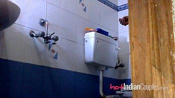 indians honeymoons couple Corridas a chorros femeninas